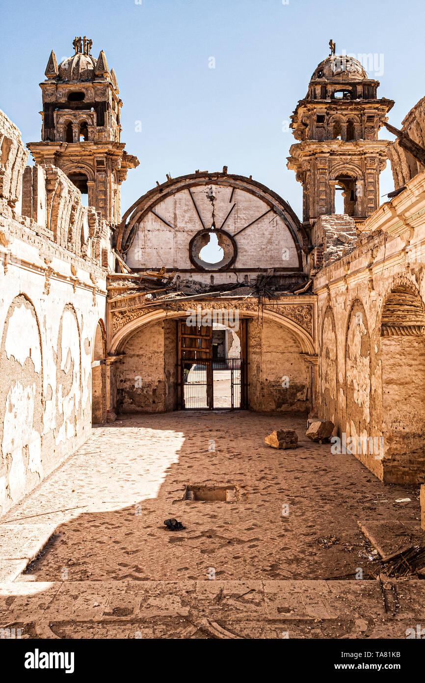 Le rovine della chiesa di San José (Iglesia de San José). Nasca, reparto di Ica, Perù. Immagini Stock