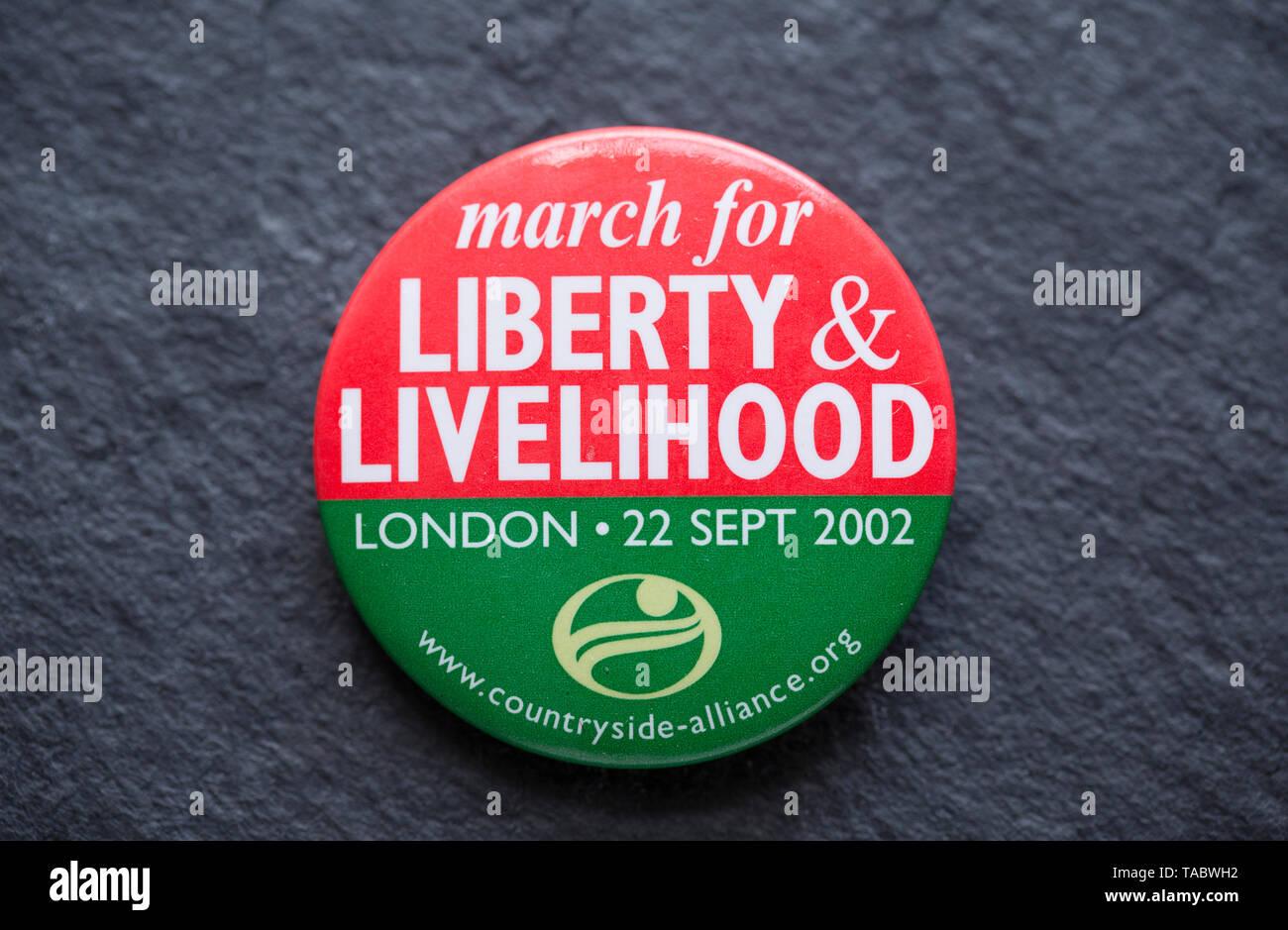 Un pro-caccia badge che è stato realizzato nel 2002 per la libertà e il sostentamento di marzo in relazione alla proposta di vietare la caccia con i cani nel Regno Unito. Il mar Immagini Stock