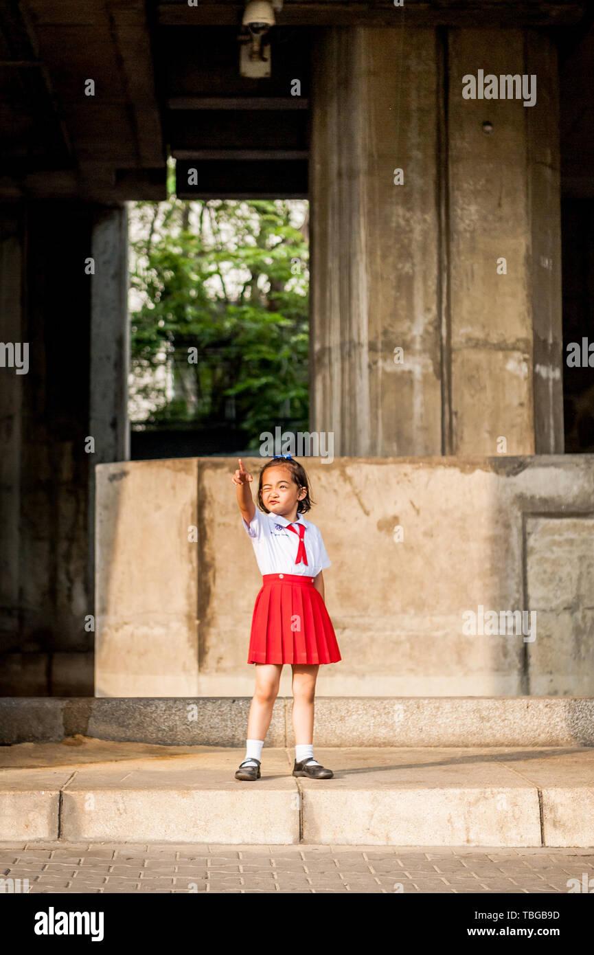 datazione Thai ragazza in UK datazione di una recente divorziata