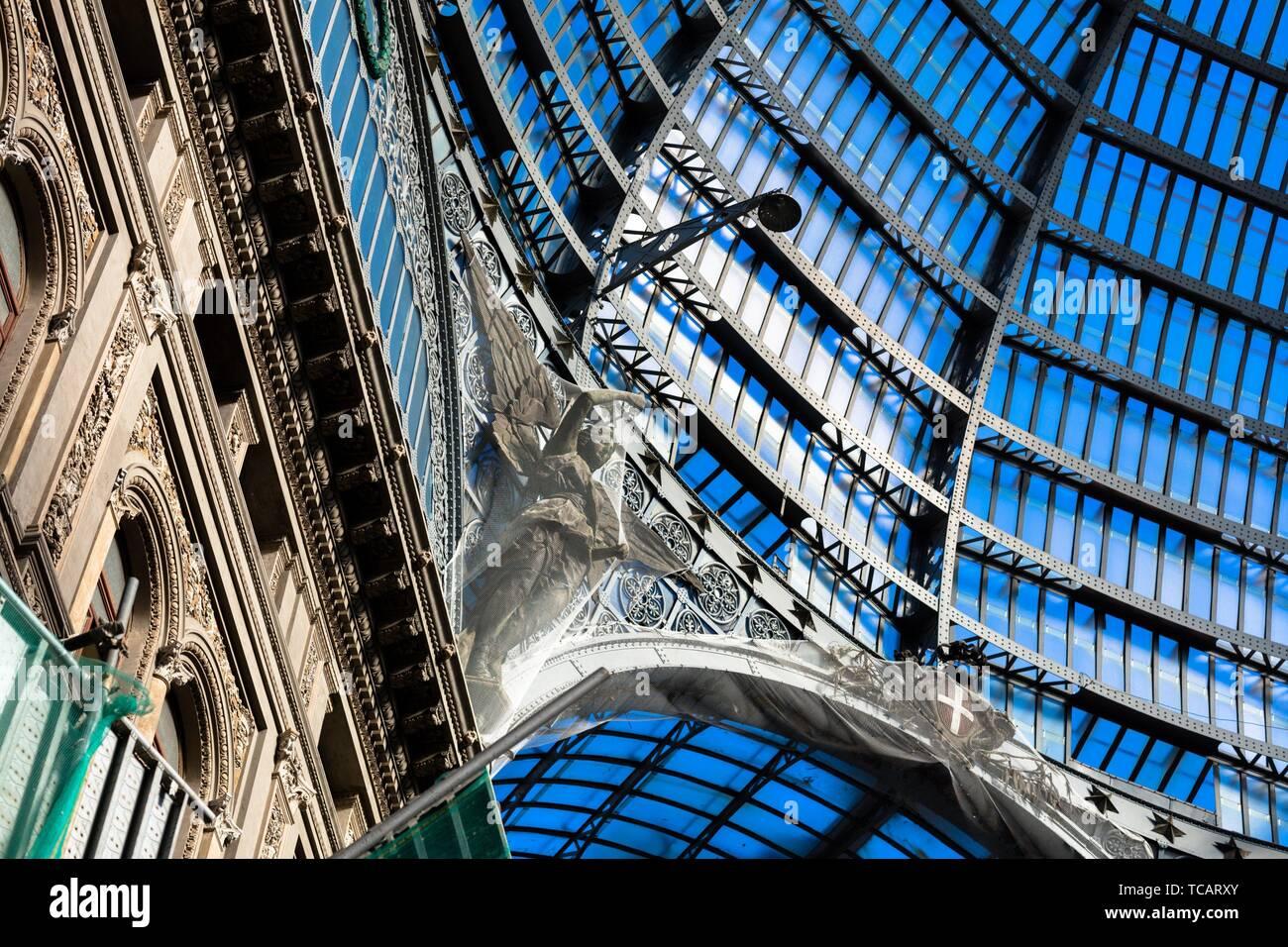 La Galleria Umberto I di Napoli è stato costruito in stile liberty nel novembre 19, 1990. Immagini Stock