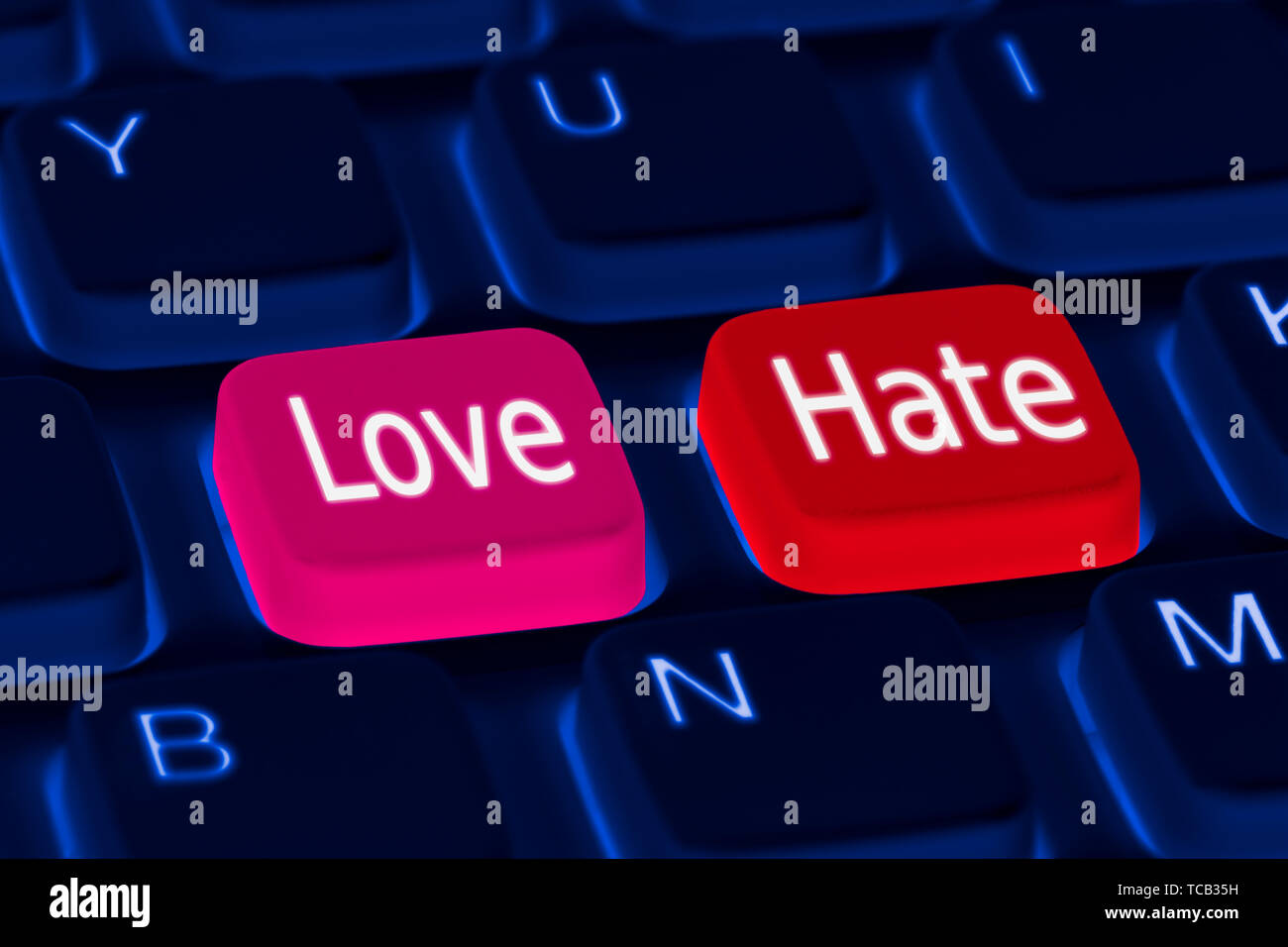 Tastiera con amore e odio i pulsanti sul. Amore o odio il concetto di opzioni. Immagini Stock