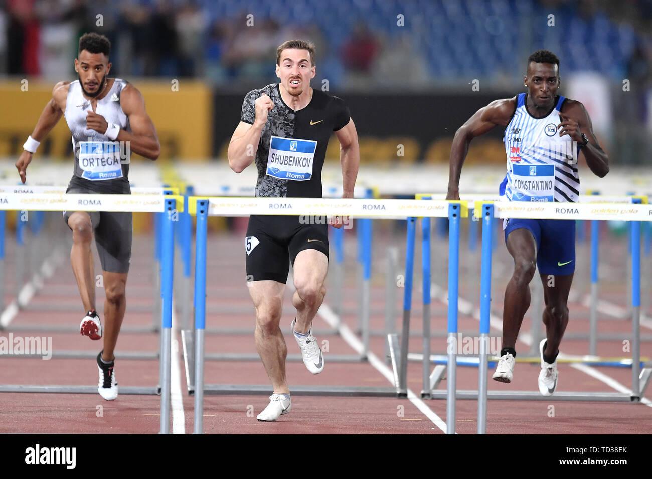 Orlando Ortega di Spagna, Sergey Shubenkov della Russia e Gabriel Constantino del Brasile competere in uomini 110m Hurdles presso la IAAF Diamond League Gol Foto Stock