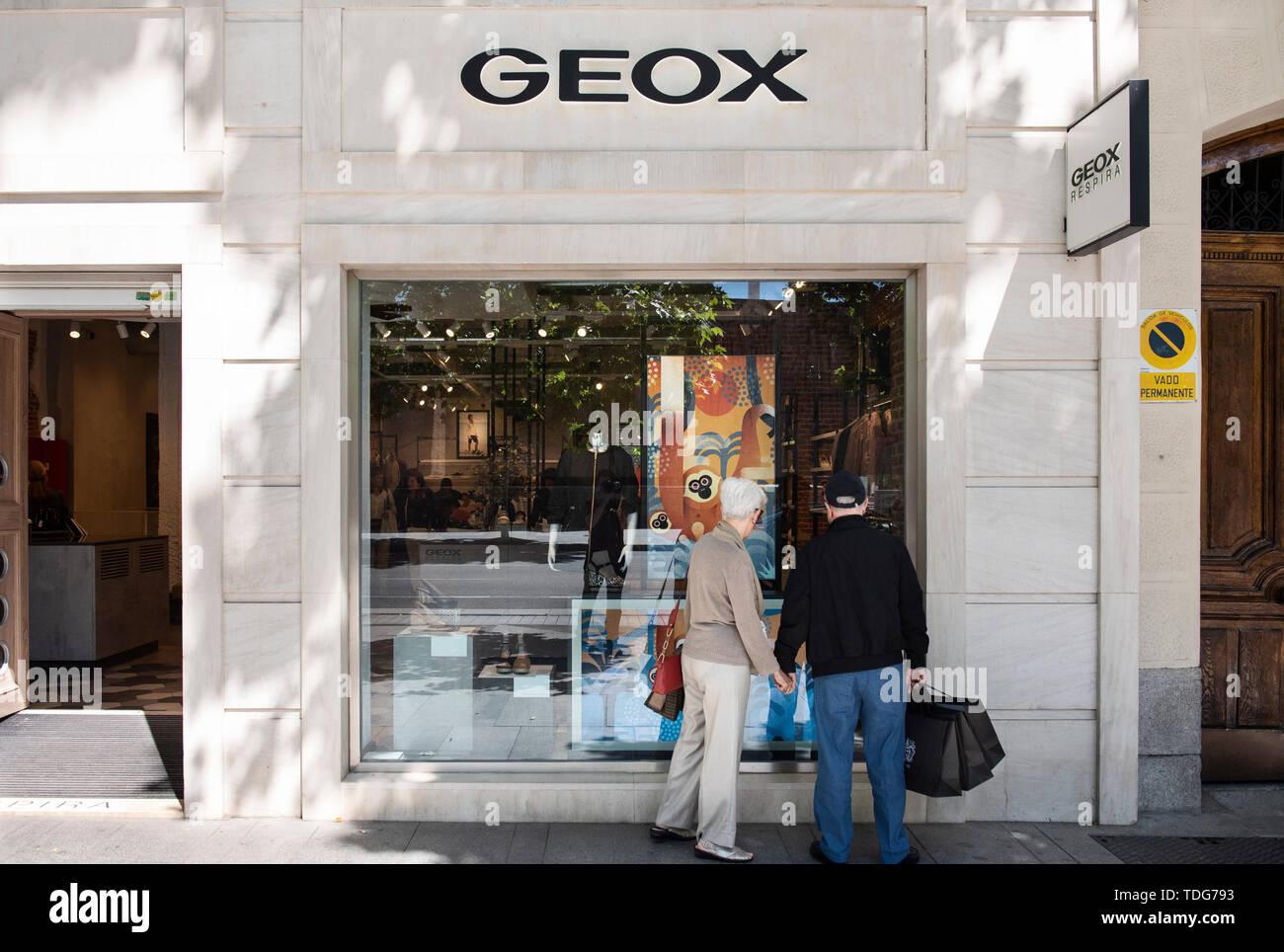 Geox Store Immagini & Geox Store Fotos Stock Alamy