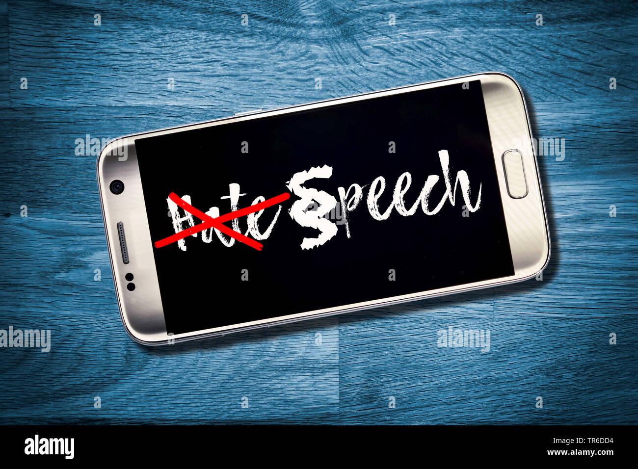 Display con la parola odio e gettare la parola odio, Germania Immagini Stock