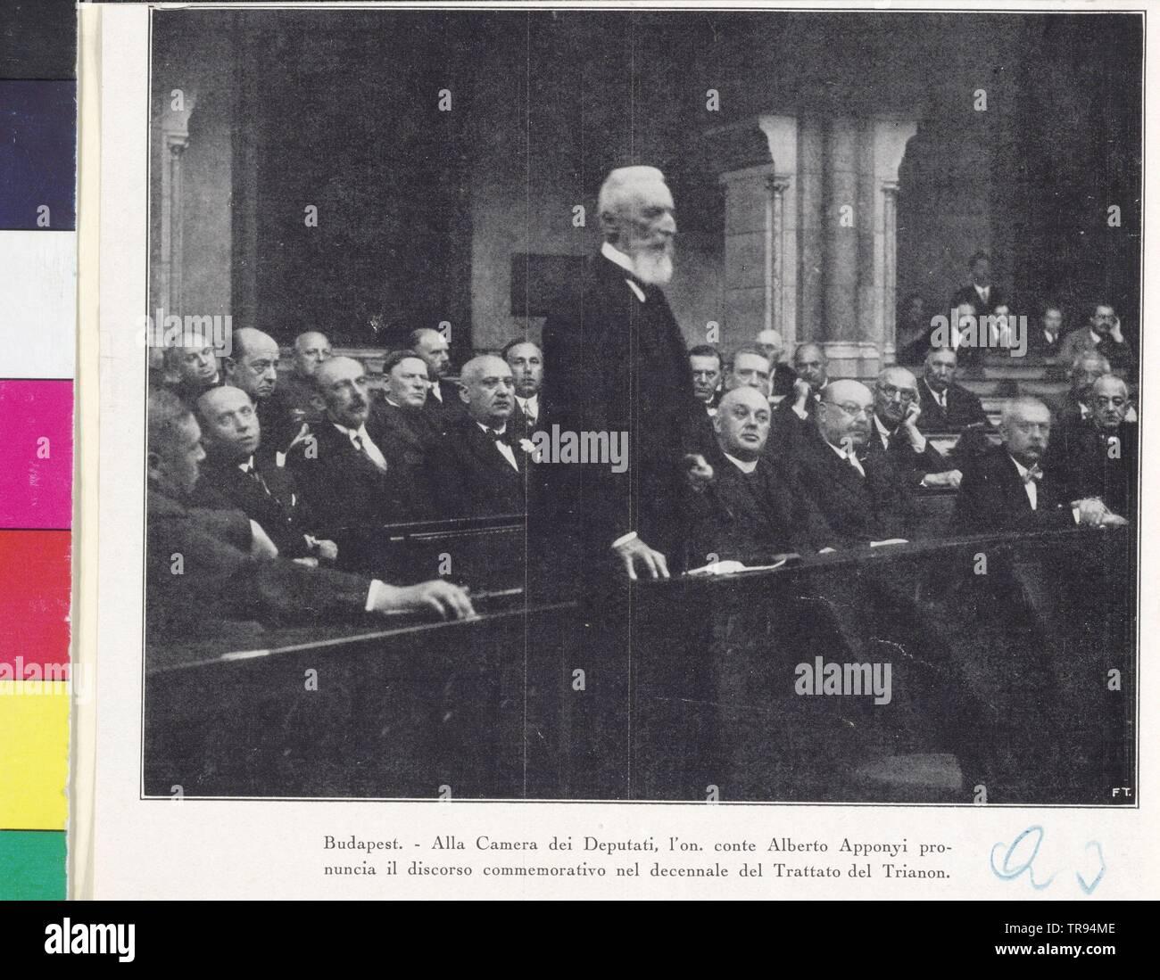 Apponyi-Nagy-Appony, Albert contare, a mezza lunghezza e piedi, quasi giusto profilo. in gruppo con rappresentante ungherese in una sessione, Additional-Rights-Clearance-Info-Not-Available Immagini Stock