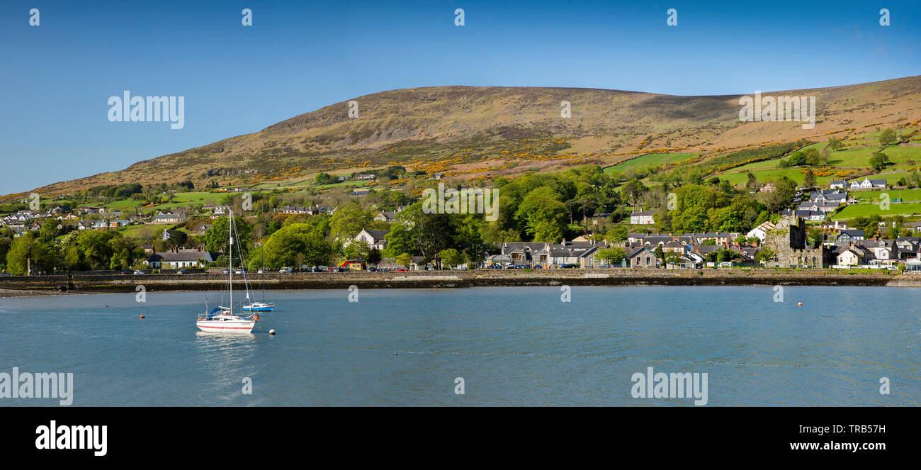 Irlanda, Co Louth, penisola di Cooley, Carlingford, città dal porto, panoramica Immagini Stock