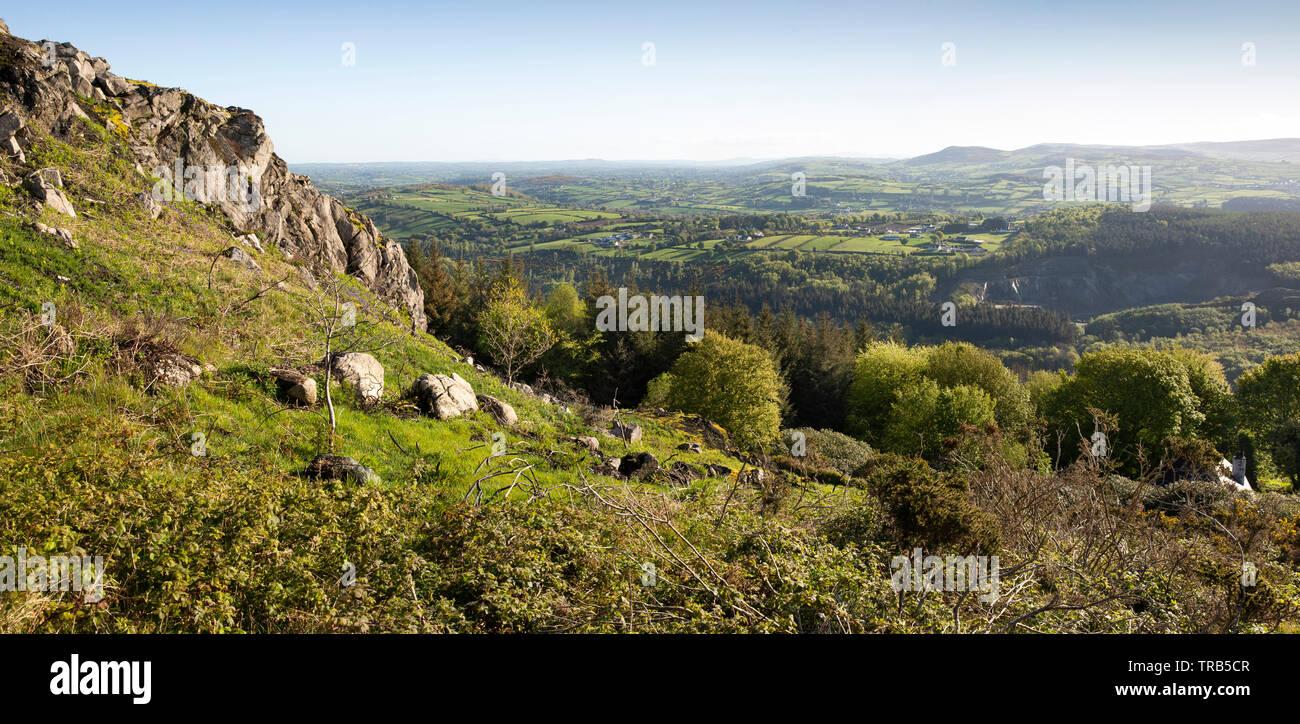 Irlanda del Nord, CO ARMAGH, Fathom, Flagstaff Viewpoint, elevati vista panoramica alla contea di Down e contea di Armagh Immagini Stock