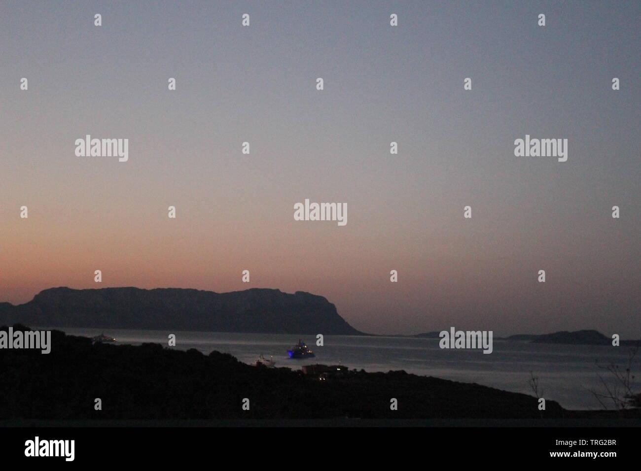 Golfo Aranci, Italia al tramonto Immagini Stock