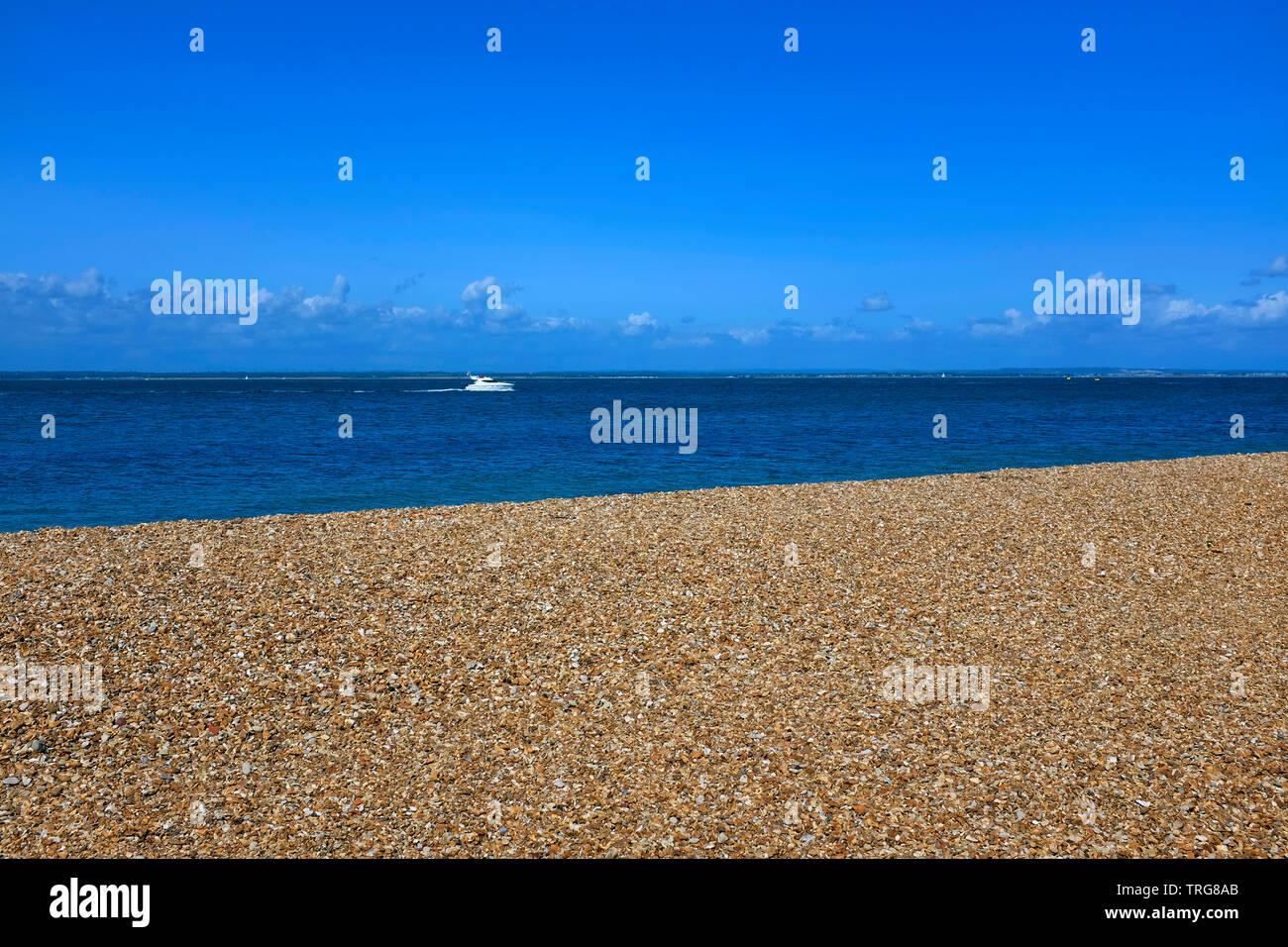 Pebble,storm,beach, pietre, mare,Cowes,la verde isola di Wight, England, Regno Unito Immagini Stock