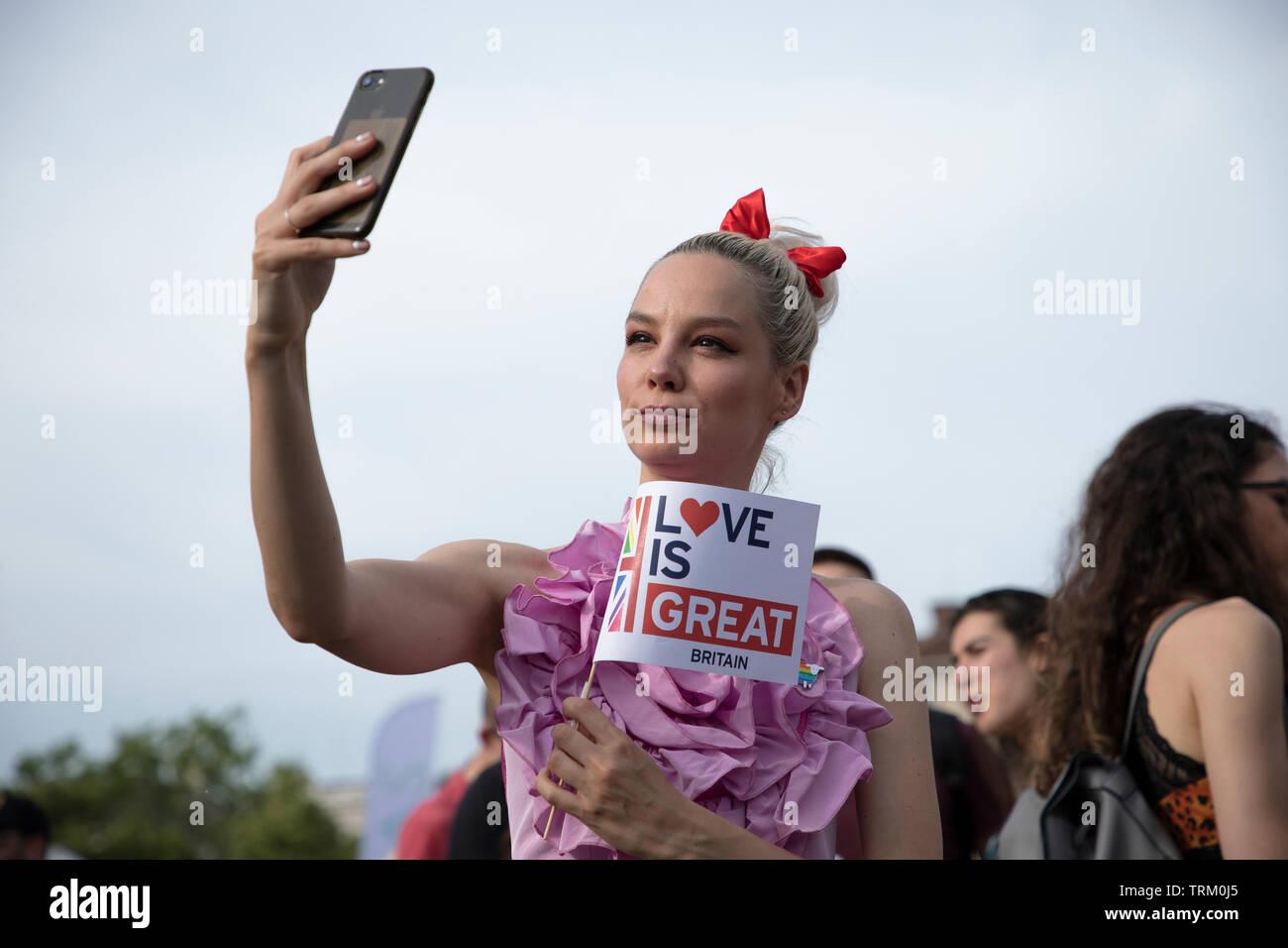 Sofia, Bulgaria - Giugno 08, 2019: Sofia orgoglio è il più grande evento annuale dedicato all'uguaglianza e i diritti umani di tutti i cittadini e il più grande Foto Stock