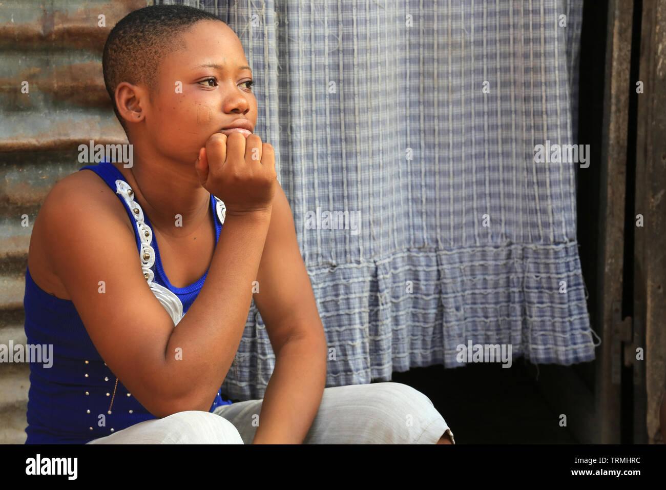 Jeune adolescente togolaise. La convenzione di Lomé. Il Togo. Afrique de l'Ouest. Immagini Stock