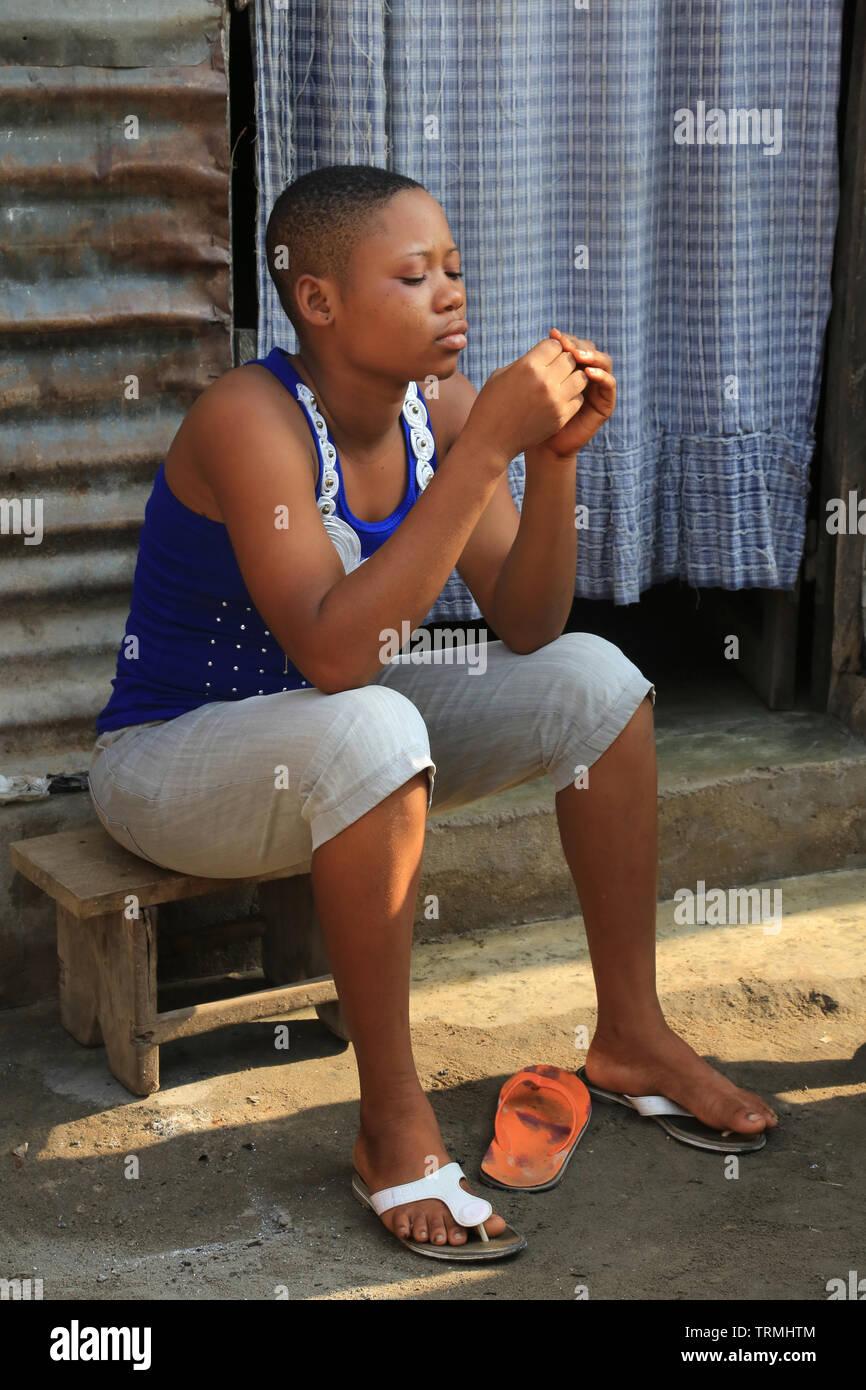 Jeune adolescente togolaise. La convenzione di Lomé. Il Togo. Afrique de l'Ouest. Foto Stock