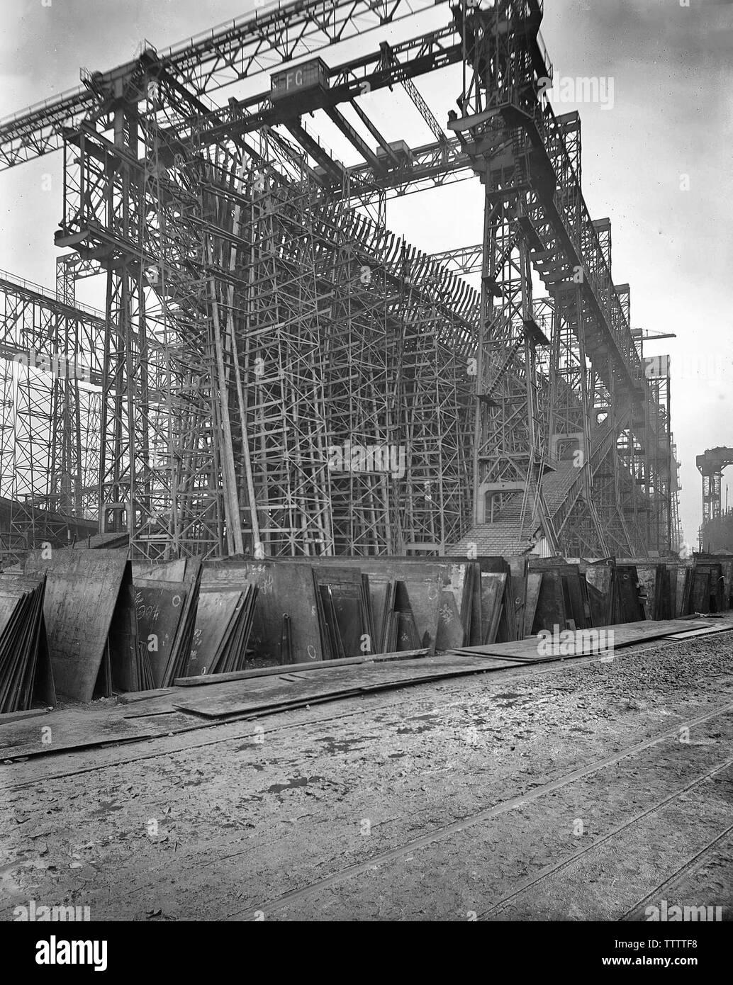 Olympic in costruzione - Olympic quasi completamente incorniciato. Ottobre 1909 Immagini Stock
