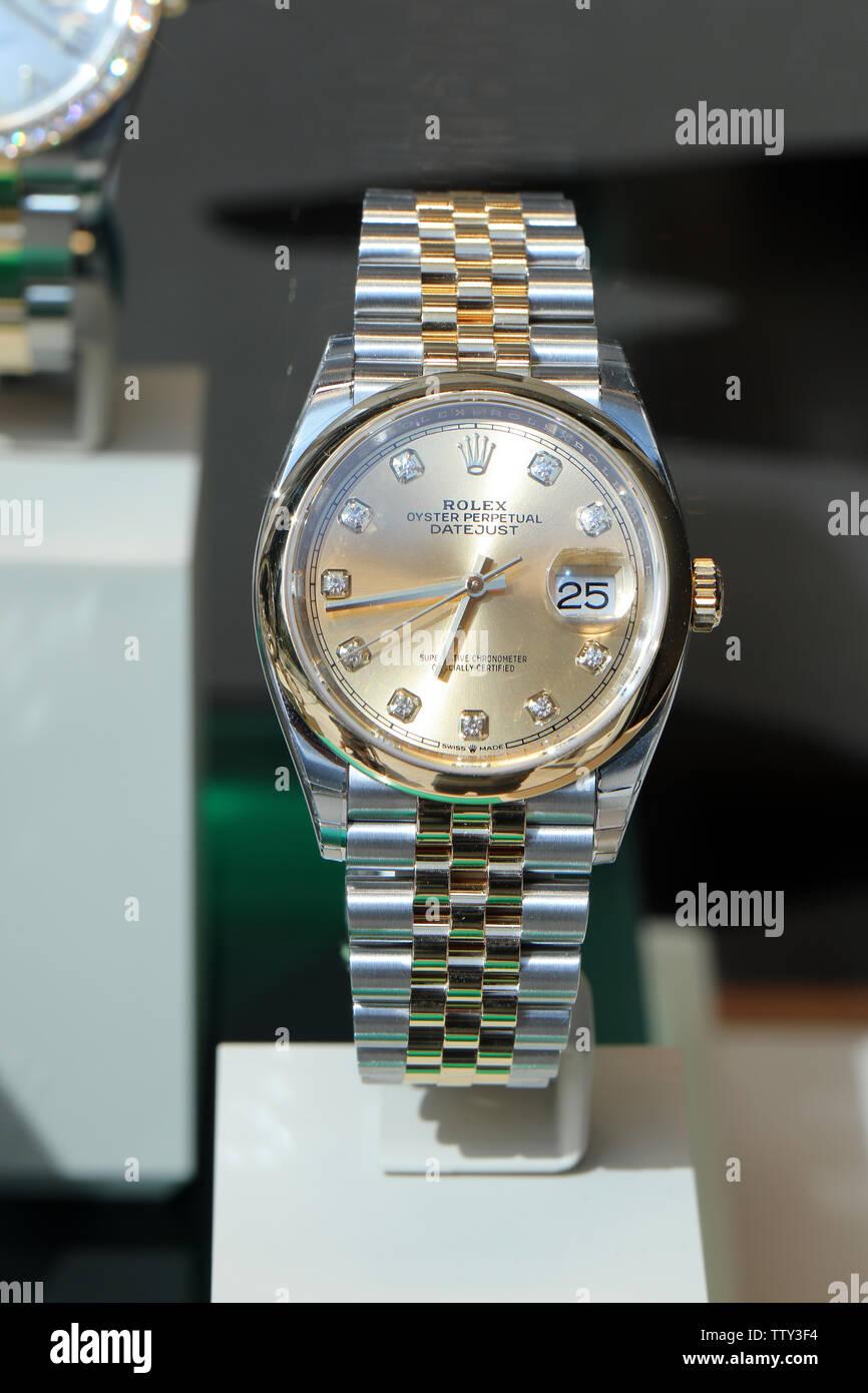 715565f53250b5 Montecarlo, Monaco - 16 Giugno 2019: lusso costoso orologi Rolex sul  display in una