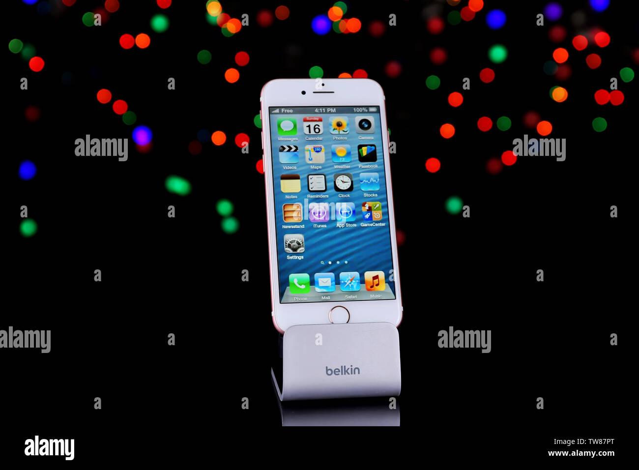 Iphone Gift Immagini Iphone Gift Fotos Stock Alamy