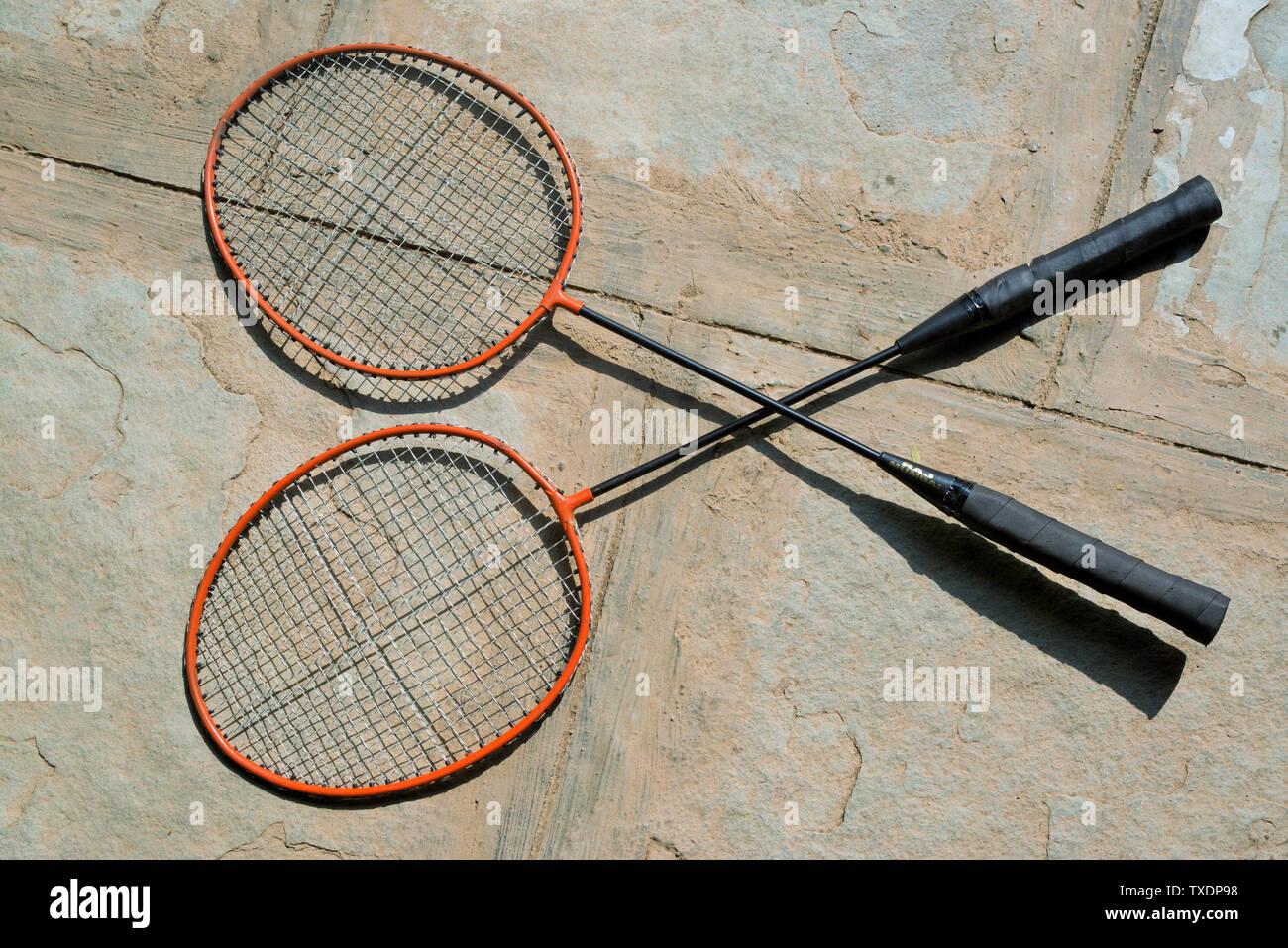 Badminton Racchette sul pianale in agro di Pune, Maharashtra, India, Asia Immagini Stock