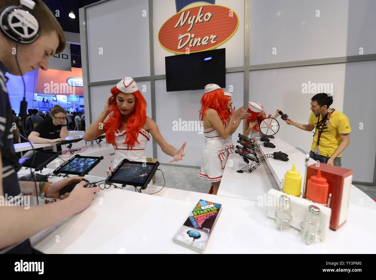 Il Nyko booth è decorata come un diner durante l'E3 (Electronic Entertainment Expo che si terrà presso il Convention Center di Los Angeles il 11 giugno 2013. UPI/Fil McCarten Foto Stock