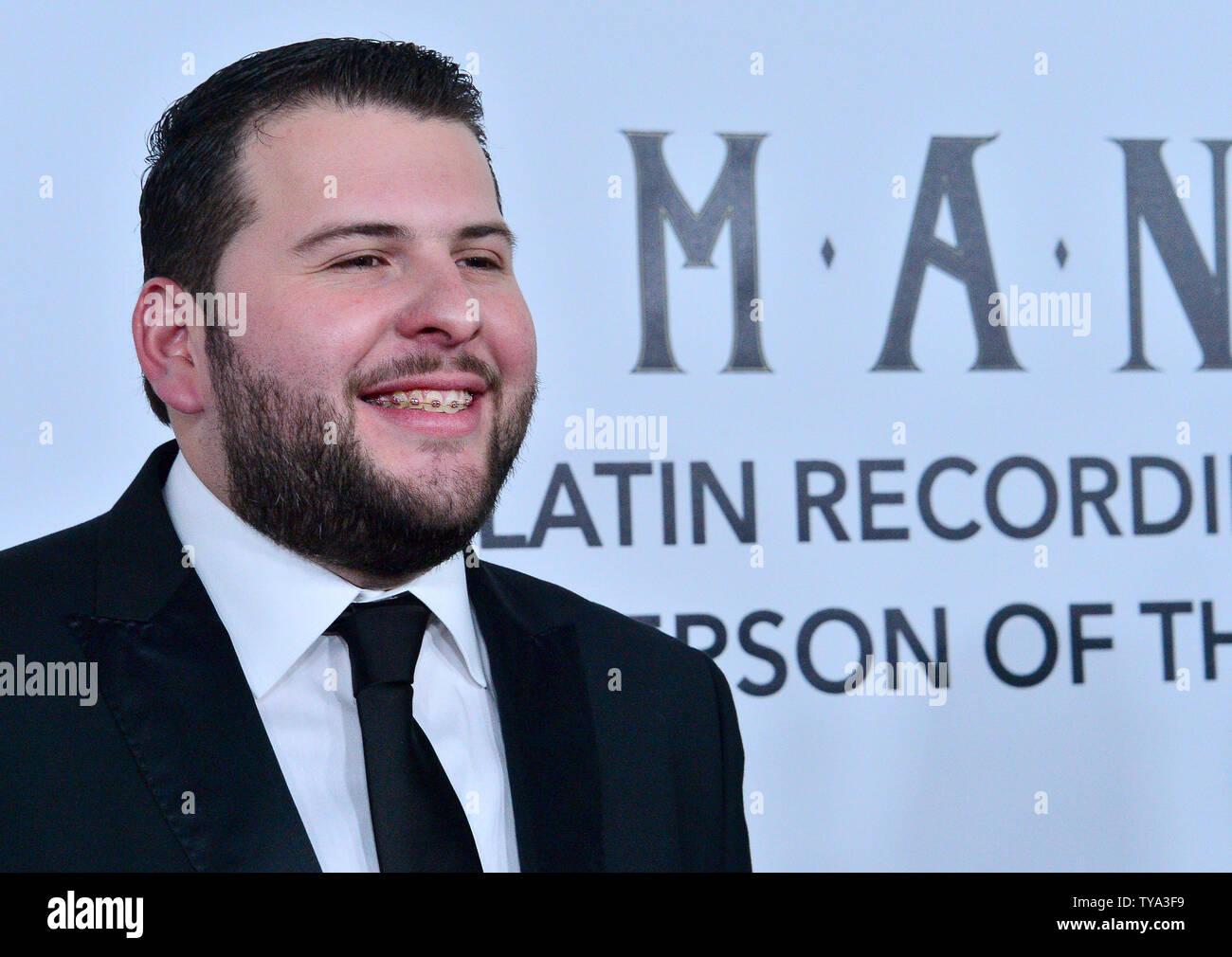 El Fantasma arriva al Grammy Latino persona dell'anno di gala per onorare Mexican rock band Mana al Mandalay Bay Convention Center di Las Vegas, Nevada, il 14 novembre 2018. Foto di Jim Ruymen/UPI Immagini Stock