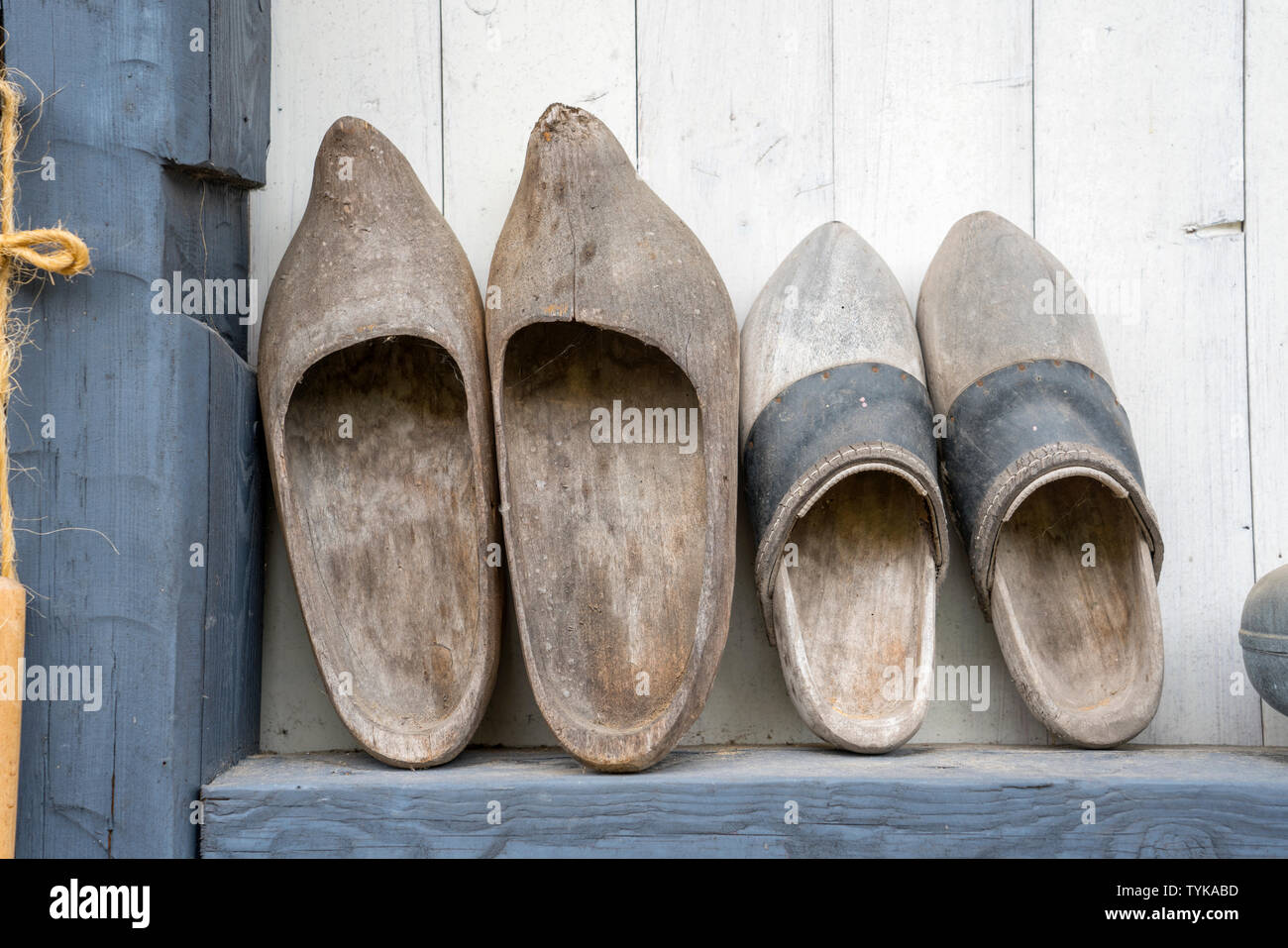 Vecchi zoccoli di legno, klompen dai Paesi Bassi Immagini Stock
