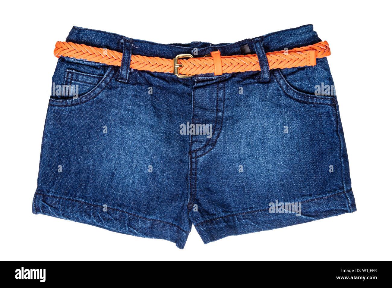 639d816df743d3 Jeans corti isolate. Elegante alla moda breve pantaloni jeans con orange  cintura in cuoio per