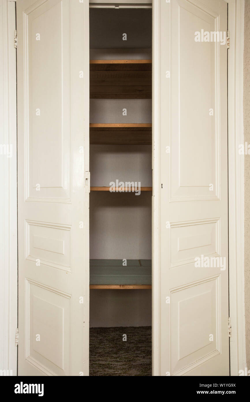Porte Dell'armadio Immagini e Fotos Stock Alamy