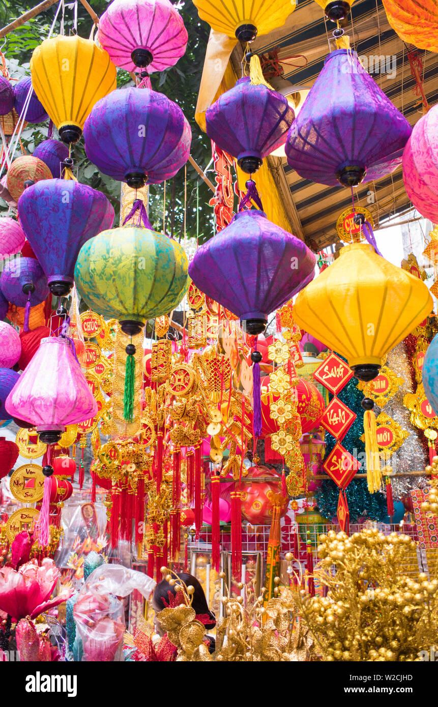 Il Vietnam, Hanoi, Tet capodanno nuovo anno lunare, decorazioni per le vacanze in vendita Immagini Stock
