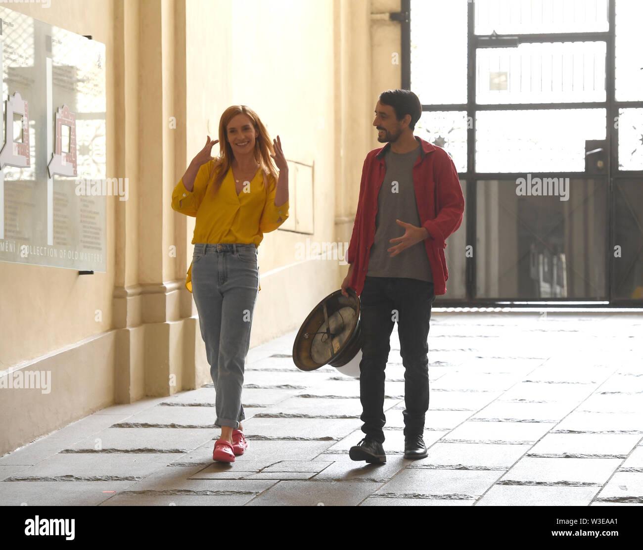 Direttore Fiona Ziegler ha girato un Swiss-Czech road movie perduta nel paradiso a Praga Repubblica Ceca, luglio 15, 2019. . Attori DOMINIQUE JANN e HANA VAGNEROVA (sinistra) svolgono ruoli principali. Foto Stock