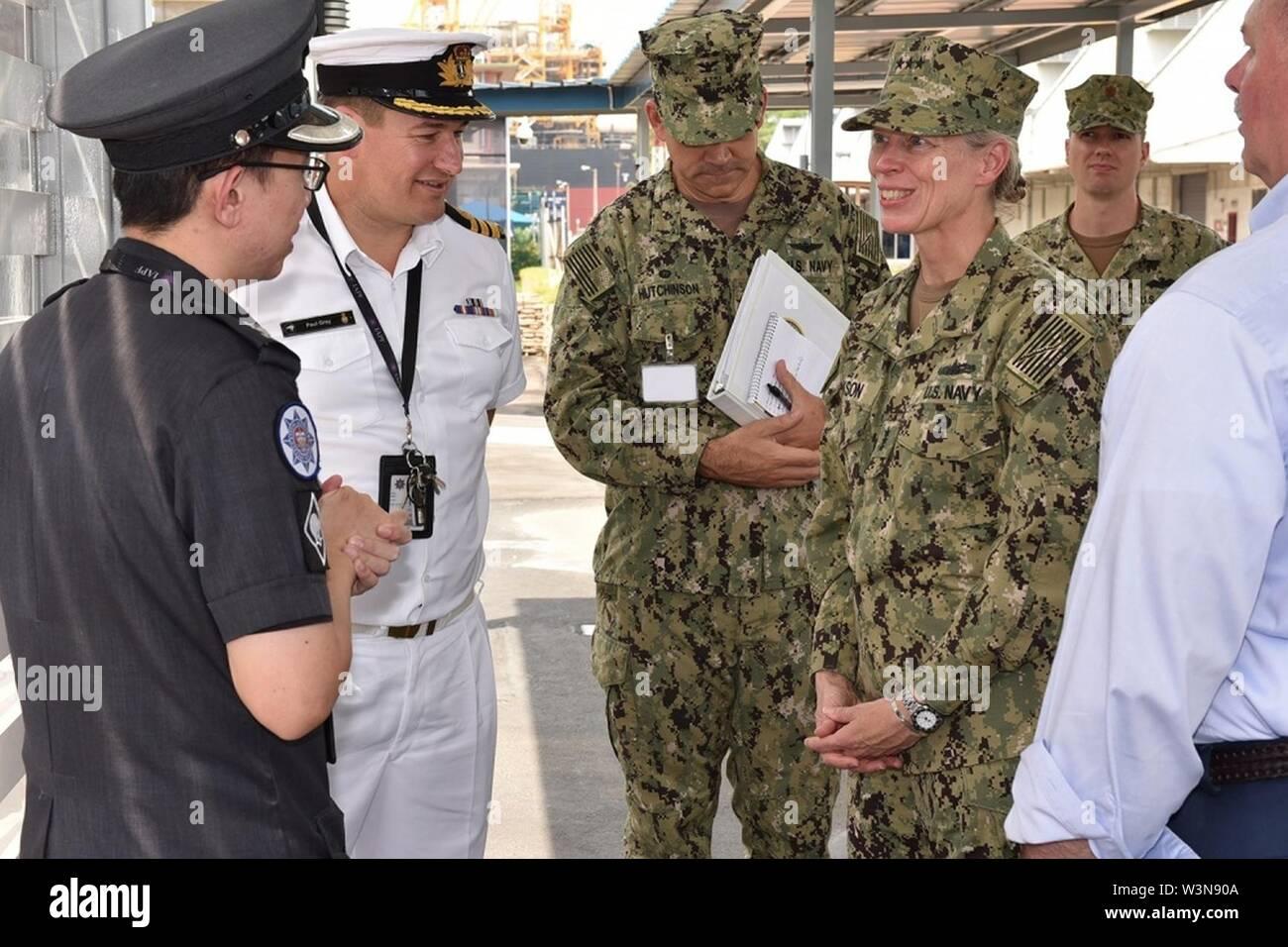 CNIC Commander visita Singapore, sottolinea i partenariati come vitale verso il compimento della missione. Immagini Stock