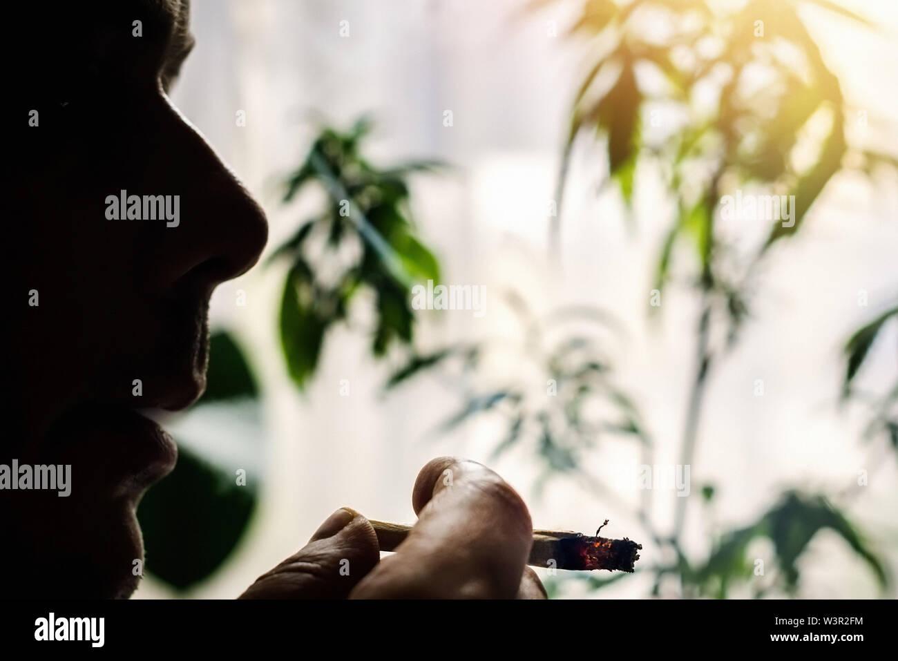 incontri fumatori erbaccia datazione Ronson accendini