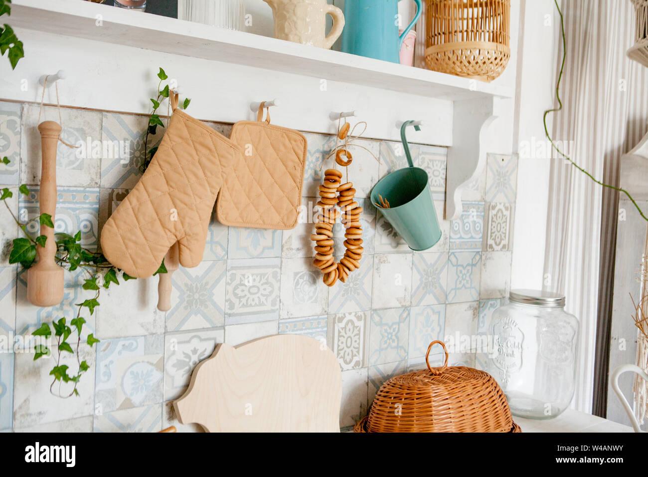 Accessori Per Cucina Moderna.Asciugatutto E Guanto Sul Piano Di Lavoro In Cucina Moderna