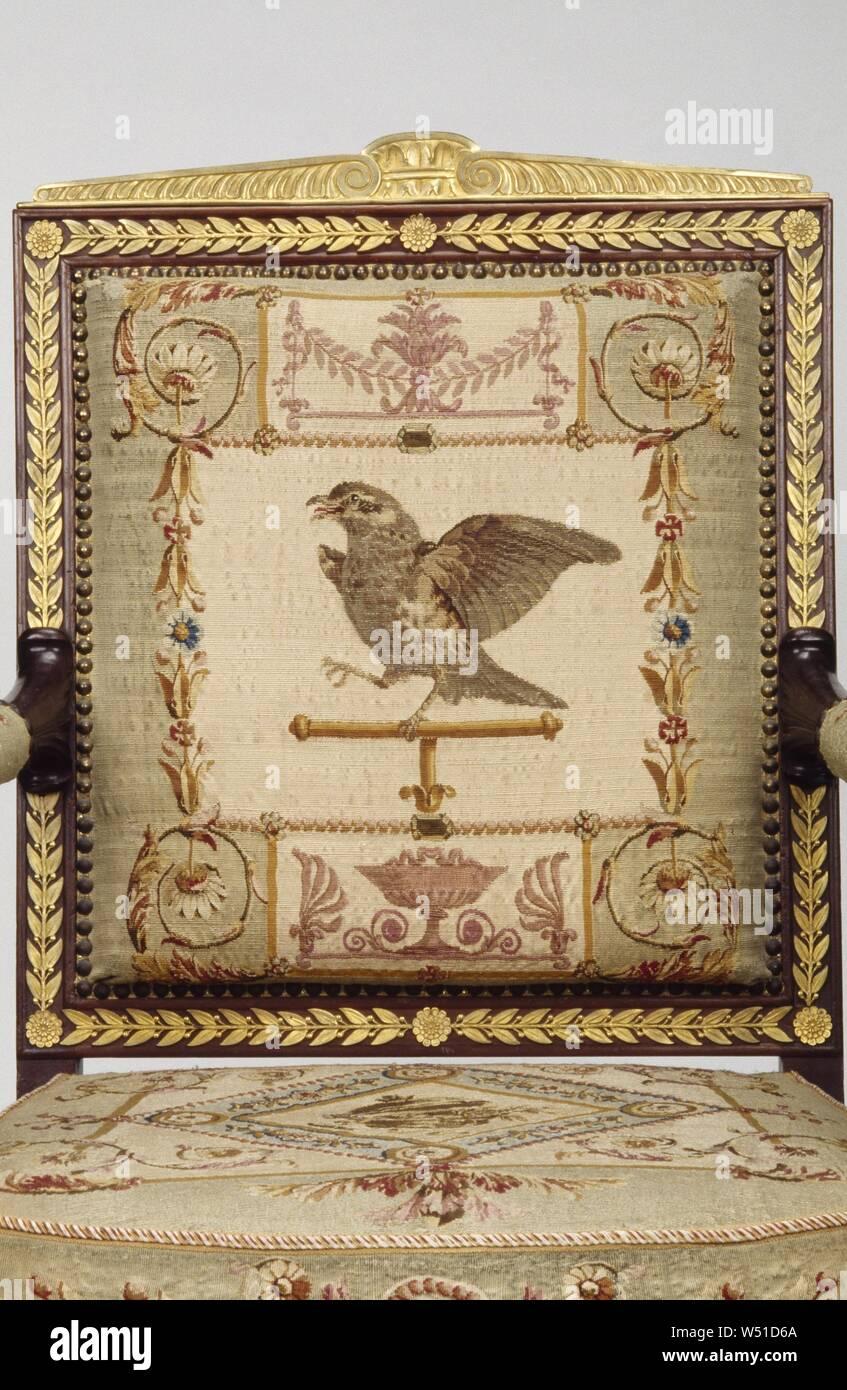 Una poltrona, telai attribuito a François-Honoré-Georges Jacob-Desmalter (francese, 1770 - 1841), arazzi di Beauvais Manufactory (Francese, fondata 1664), Parigi, Francia, Europa, circa 1810, mogano e faggio, dorate in bronzo dei supporti, la seta e la lana arazzo selleria, 100,6 × 63,5 × 48,3 cm (39 5/8 × 25 × 19 in Foto Stock