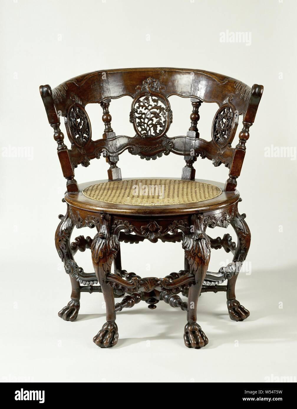 Sedie A Forma Di Sedere Costo gambe di sedie rotonde immagini e fotos stock - alamy