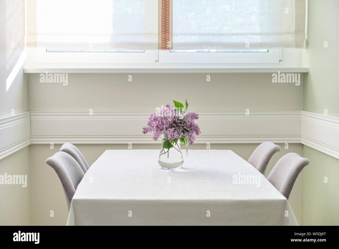 Tovaglia Da Tavola Moderna tovaglia lilla da tavola immagini & tovaglia lilla da tavola