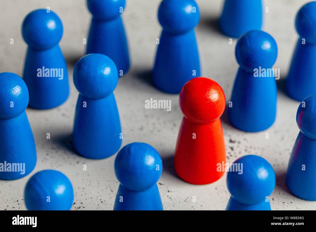 Selezione e ricerca il miglior dipendente leader. L' assunzione di personale, HR. Buon lavoratore spicca nella folla Foto Stock
