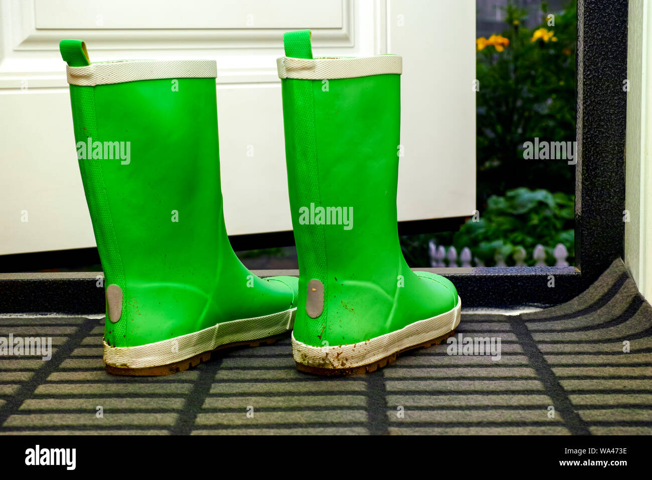 Stivali Di Gomma Del Giardino Verde Alti Illustrazione di