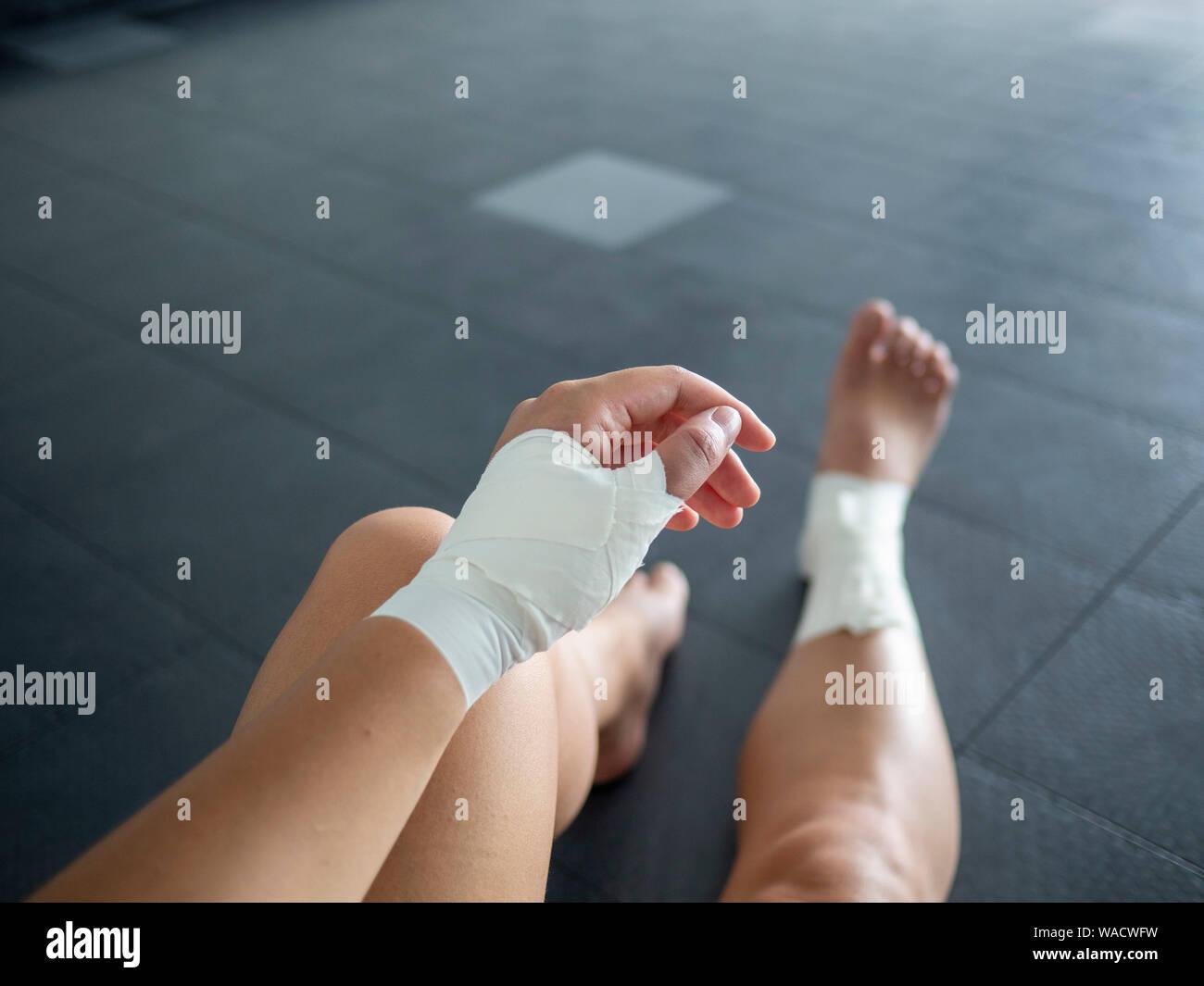 Cosa causa i piedi viola?