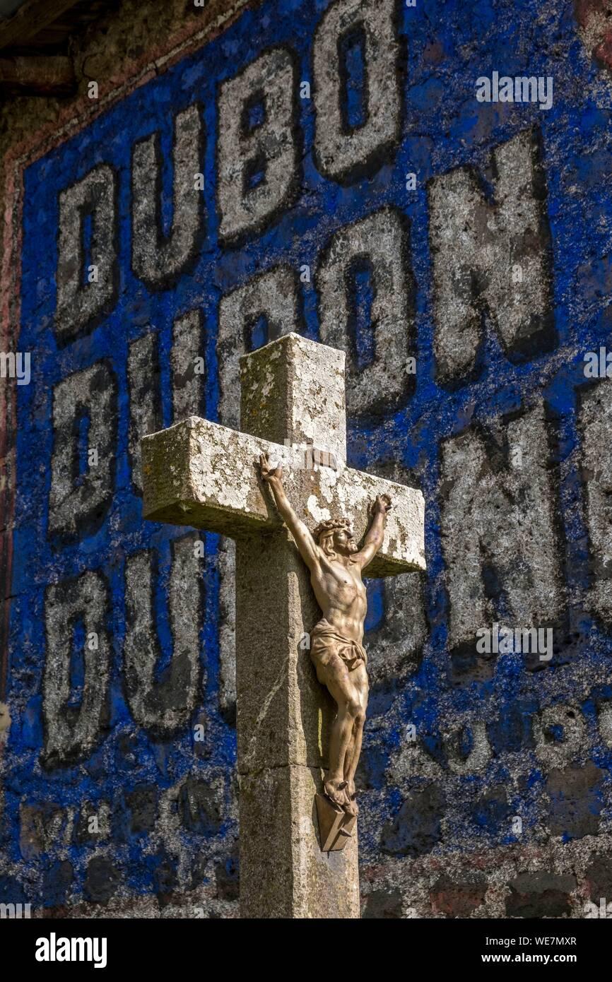 Francia, Haute Loire, a Costaros, Cristo e la pubblicità Foto Stock