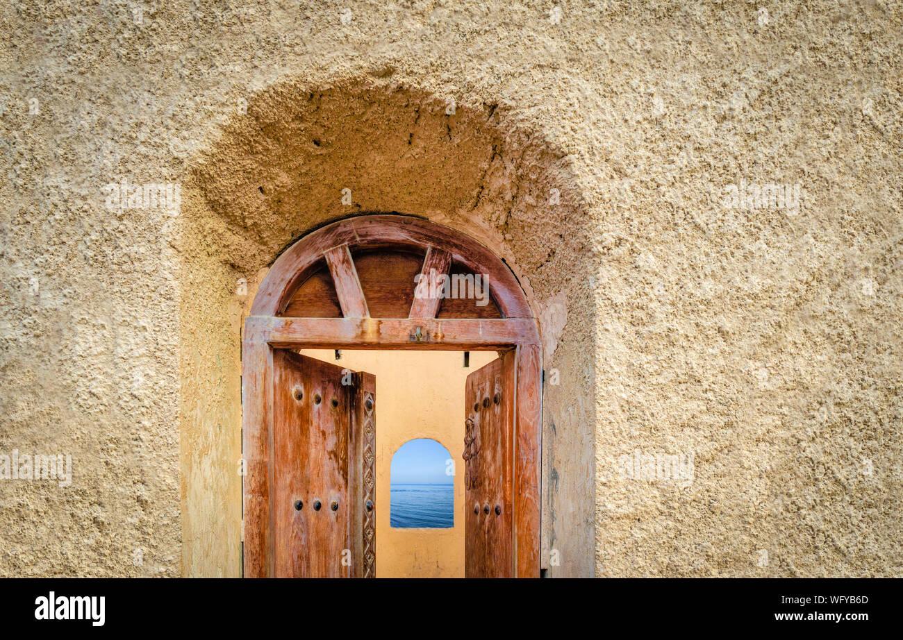 Arco Per Porta vecchio, antica porta di una torre di avvistamento apertura