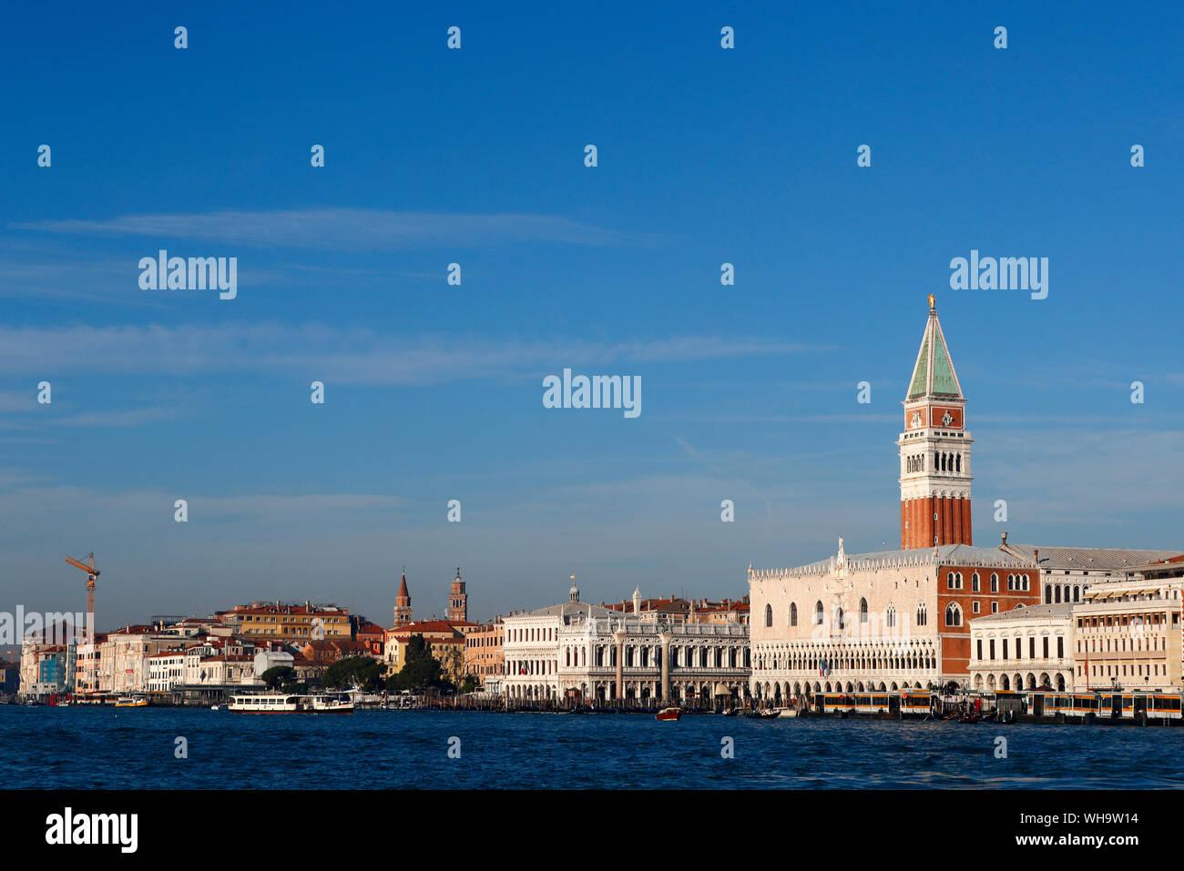 Palazzo Ducale (Palazzo dei Dogi) e Piazza San Marco, Venezia, Sito Patrimonio Mondiale dell'UNESCO, Veneto, Italia, Europa Foto Stock