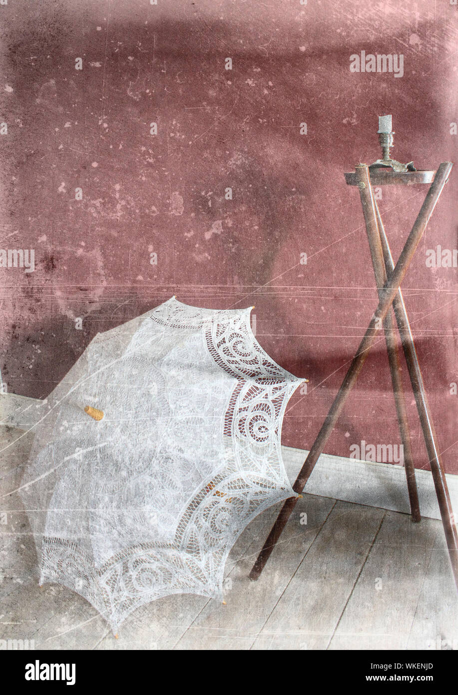 Tavoli Da Giardino Vintage.Vintage Umbrella Immagini Vintage Umbrella Fotos Stock Alamy