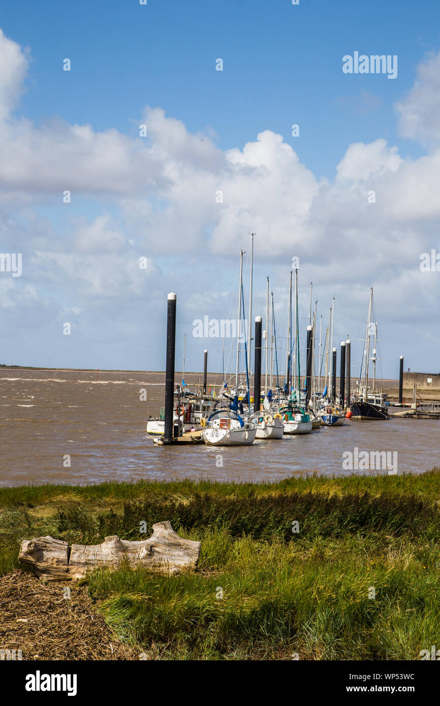 Barche a Burnham on sea Marina, Somerset REGNO UNITO Foto Stock