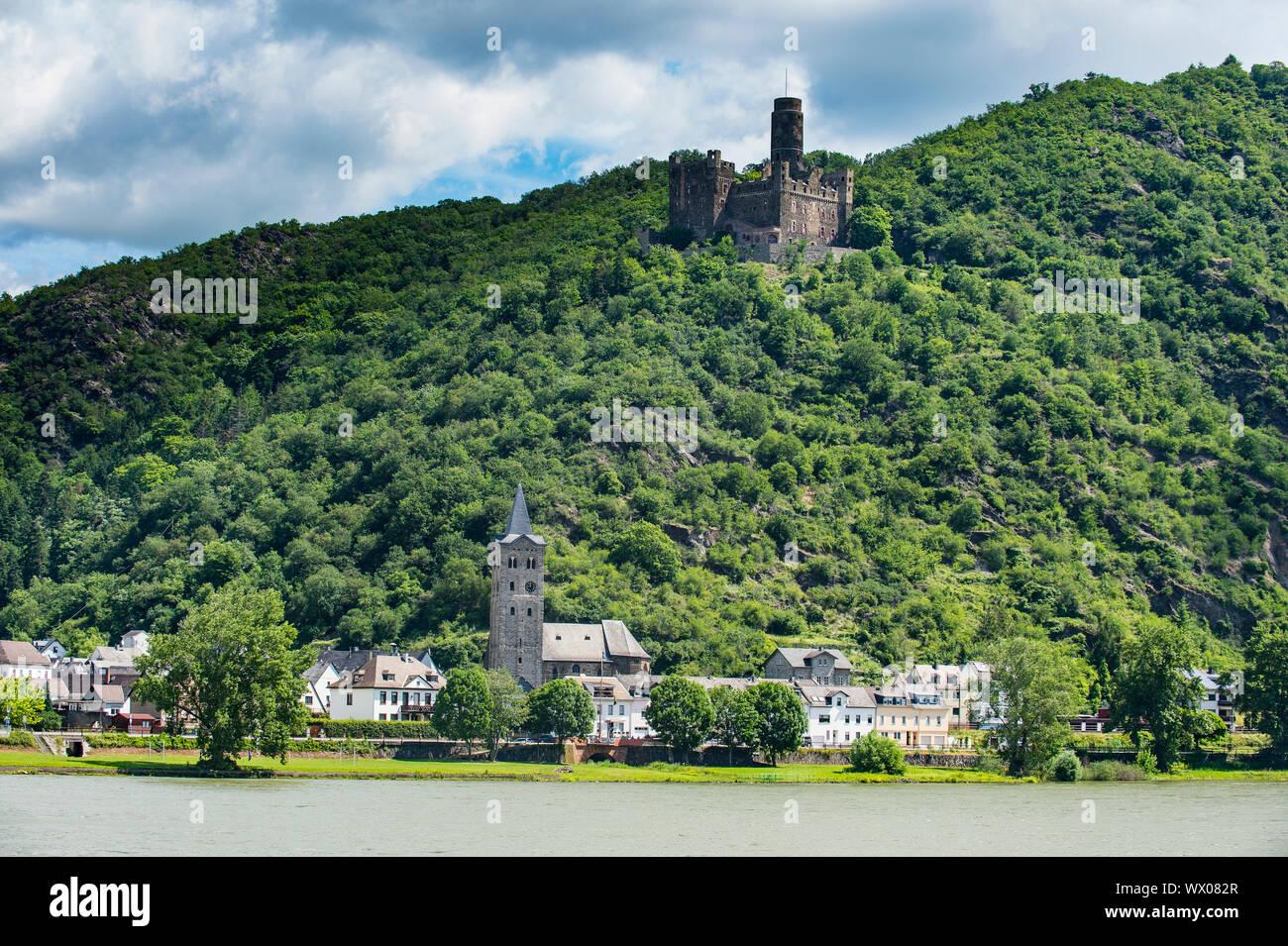 Castello Maus che si affaccia sul fiume Reno, Sito Patrimonio Mondiale dell'UNESCO, valle del medio Reno, Renania-Palatinato, Germania, Europa Foto Stock
