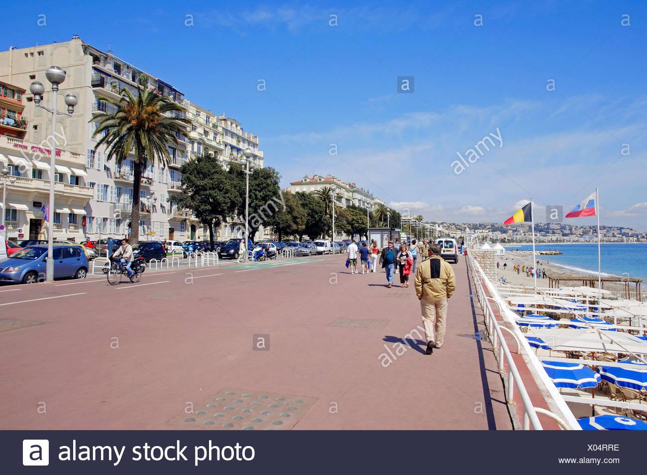 Lungomare Promenade des Anglais, Nice, Alpes-Maritimes, Provence-Alpes-Côte d'Azur, in Francia meridionale, Francia, Europa Immagini Stock