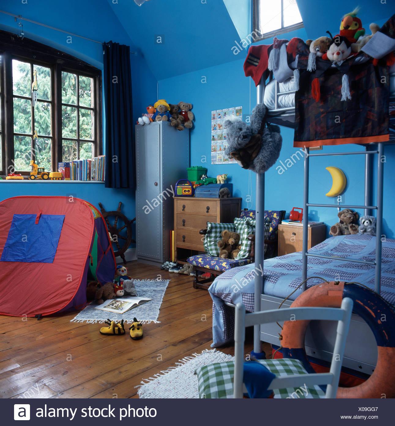 Letti A Castello Con Tenda.Gioco Colorato In Tenda Per Bambini Degli Anni Novanta Blu Camera Da
