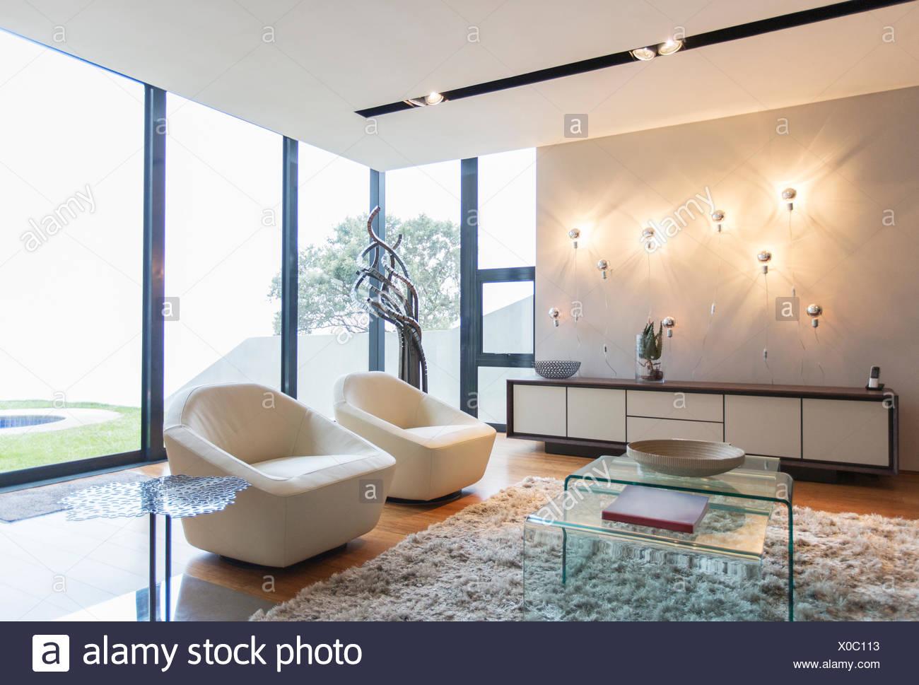 Tappeti Soggiorno Moderno : Poltrone e shag tappeto nel soggiorno moderno foto immagine