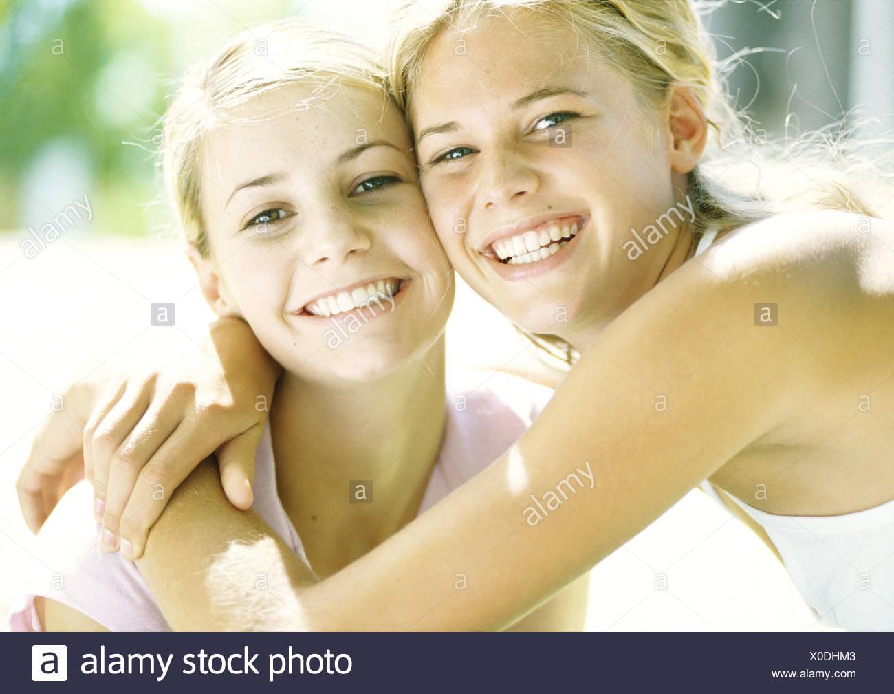 ragazze adolescenti che giocano nuda reale dritto ragazzi avere gay sesso