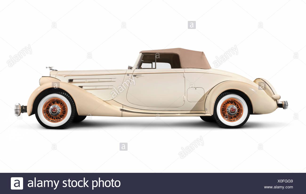 Beige avorio classic vintage auto di lusso, 1935, Packard dodici Coupe Roadster, da Dietrich Immagini Stock