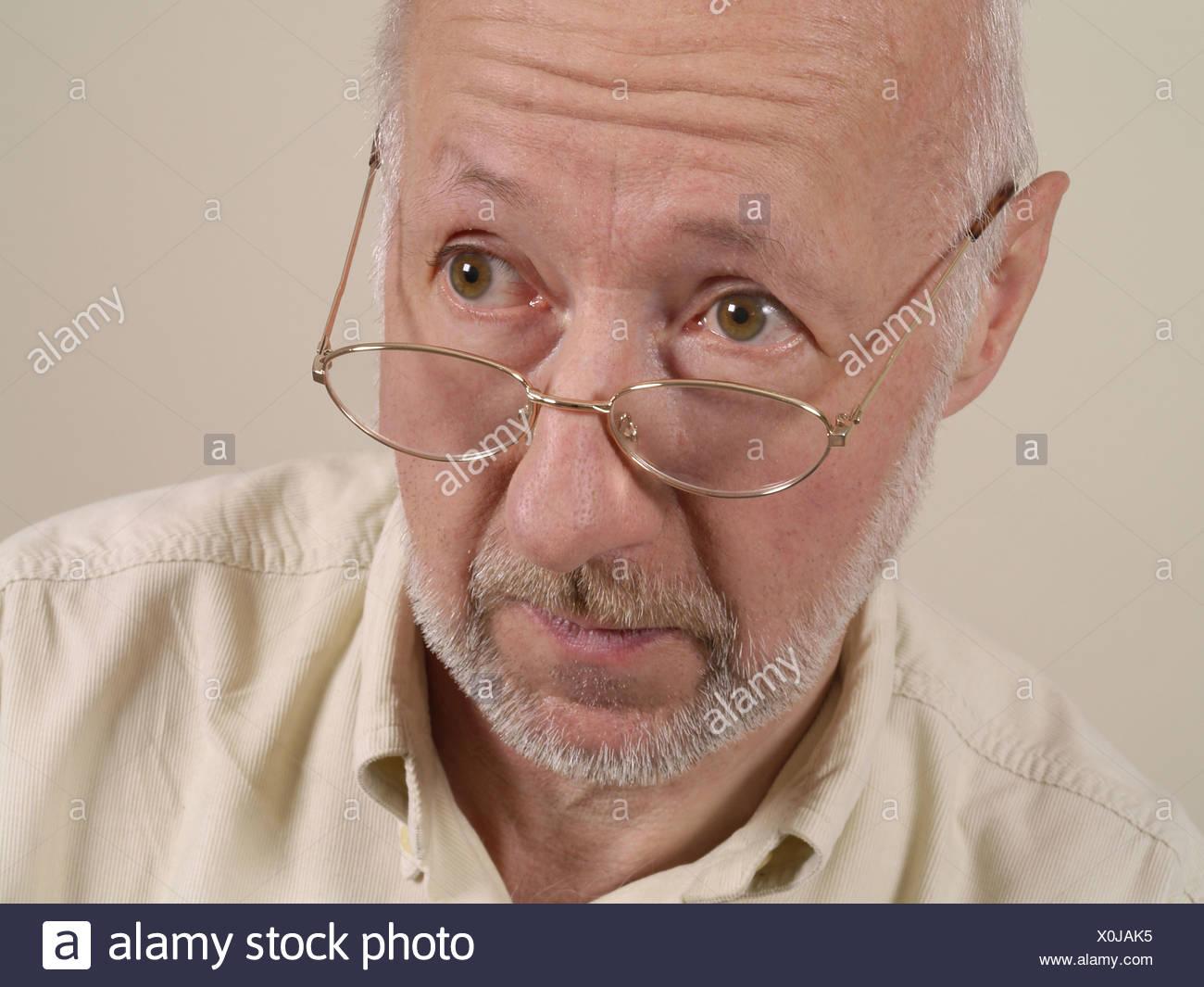 58 anno vecchio uomo datazione 18 anno vecchio