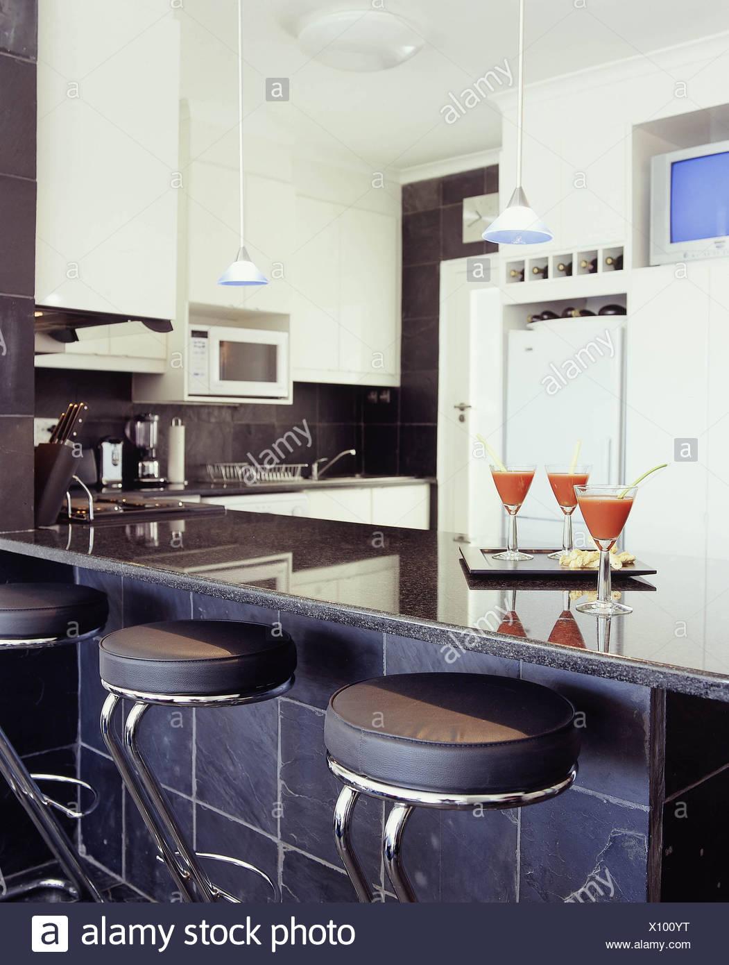 Tre diversi stili di cucina cucina ruvida nera piastrelle di ...