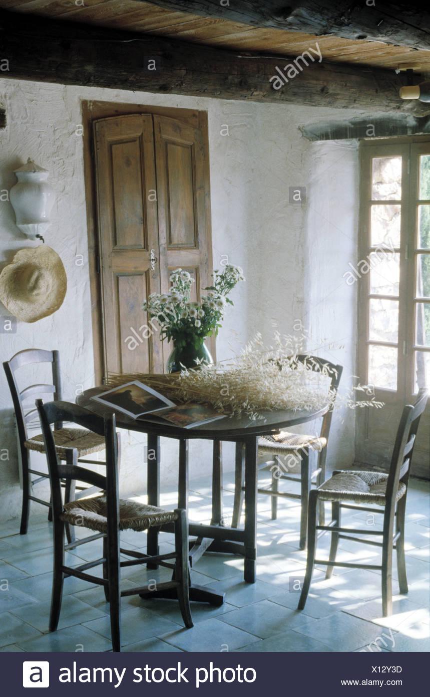 Rush antichi-seduto sedie e tavolo circolare in stile rustico casa ...